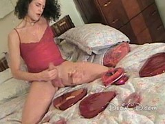 Tranny in pantyhose wanking her cock