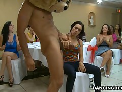 Horny drunk gals letting bad at a corps with the blinking bear round out