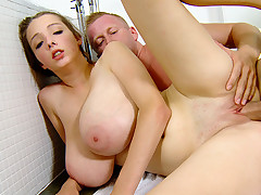 Sexy tub sex with incredibly Breasty Buffy